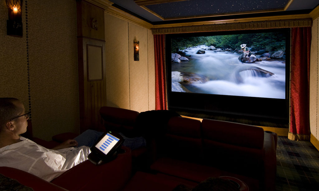 It's easy to build a projector screen for your home theater!